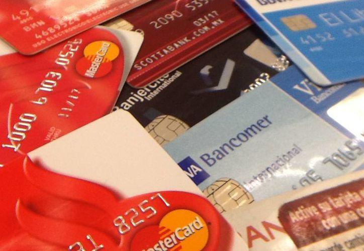 De los 4.2 millones de quejas de bancos, dos millones fueron de tarjetas de crédito por cargos no reconocidos por el cliente. (Archivo SIPSE)