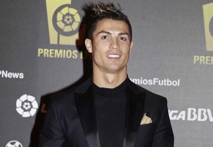 El delantero del Real Madrid Cristiano Ronaldo a su llegada a la entrega de premios de la Liga de Futbol Profesional (LFP). (EFE)
