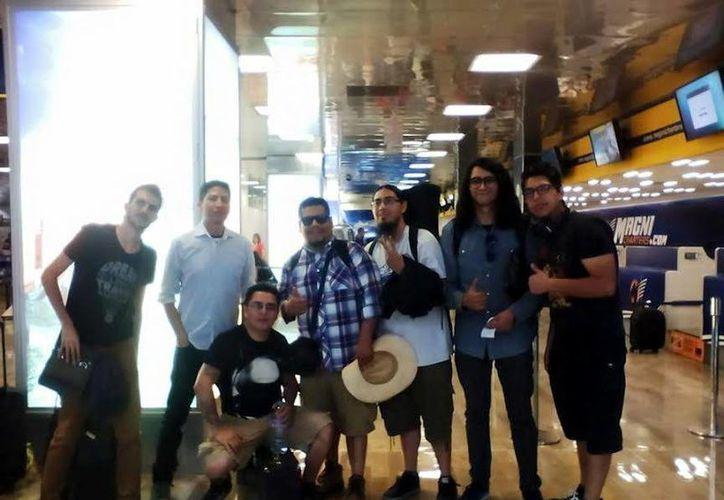 La banda 'Salón Victoria' cumple 18 años en la escena del ska mexicano, motivo por el cual realizan en Yucatán su gira de presentación de su más reciente material. (SIPSE)