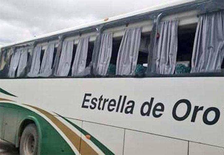 Los padres de los 43 iban acompañados por estudiantes de la escuela normal Isidro Burgos de Ayotzinapa. (Excélsior)