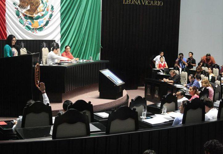 Diputados consideraron que con el nuevo régimen fiscal Quintana Roo estaría en desventaja, ante la tasa cero de Belice. (Harold Alcocer/SIPSE)
