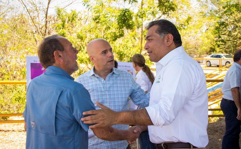 Víctor Caballero mantuvo un encuentro con empresarios locales. (SIPSE)