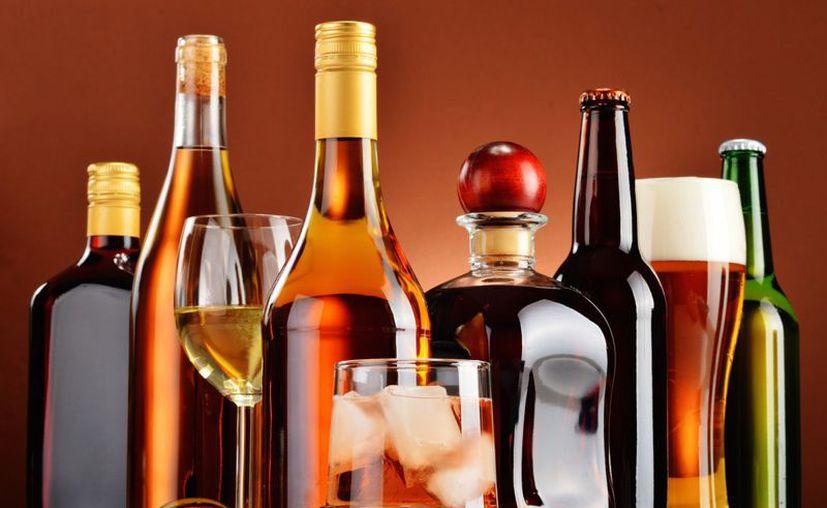 El alcohol también deja varios daños al cuerpo y mente, por lo que no se debe tomar en exceso. (Foto: Contexto/internet)
