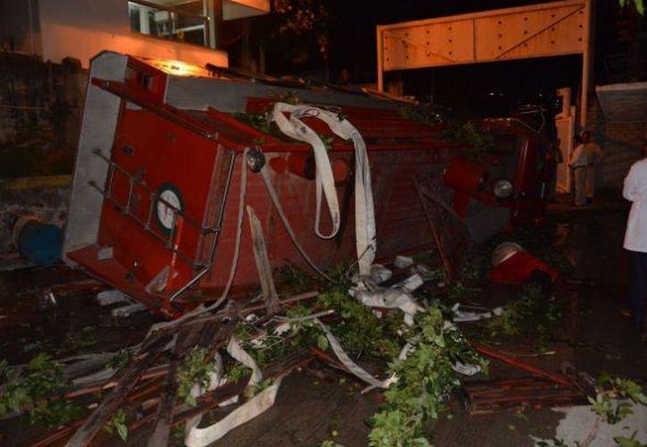 El accidente se registró en la zona de la terminal marítima del puerto de Salina Cruz. (La Jornada)