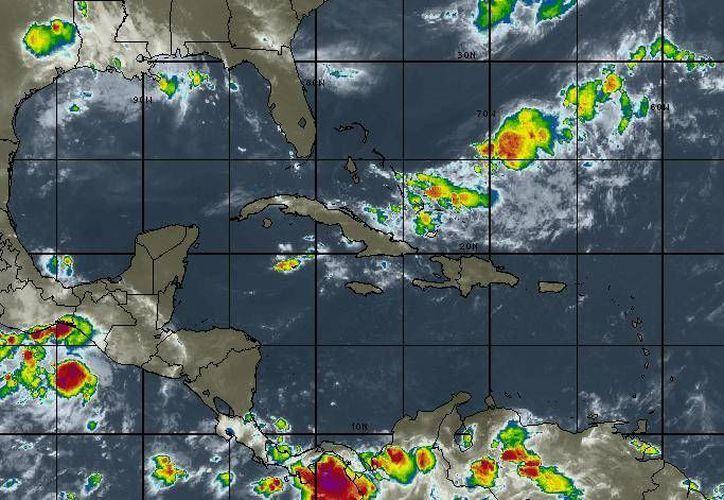 Para hoy se espera cielo soleado y un 20% en probabilidad de lluvias en Cancún. (Intellicast)