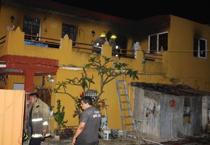 Aunque el lugar del incendio quedó chamuscado, no se reportó ninguna pérdida humana sólo daños materiales. (SIPSE)