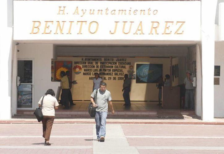 El objetivo es evitar que los ciudadanos den varias vueltas para realizar sus pagos, solicitar sus permisos o licencias. (Sergio Orozco/SIPSE)