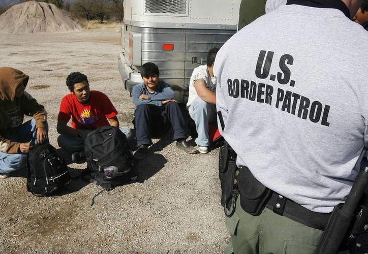 Se espera que loos jóvenes reciban el mismo trato que los nueve que cruzaron en julio por Arizona. (Agencias)