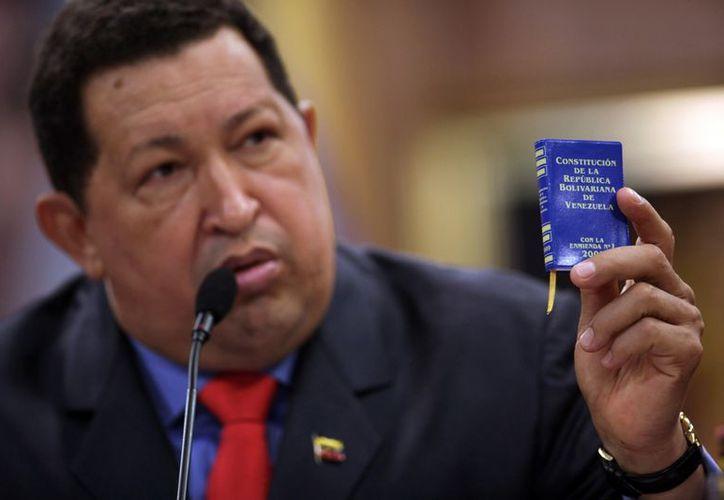 Chávez dijo que si la enfermedad lo inhabilitaba para ejercer la presidencia, Maduro debería completar su mandato. (Agencias)