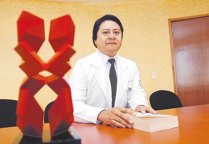 El especialista Abelardo Meneses consideró que es necesario contar con mejores herramientas para efectuar diagnósticos. (Milenio)