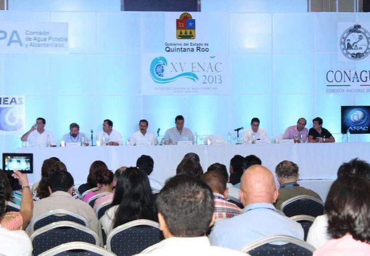 Ponencias en el Encuentro Nacional de Áreas Comerciales. (Loana Segovia/SIPSE)