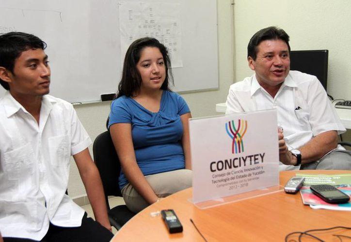 Dos jóvenes yucatecos conocerán el colisionador de partículas. (Milenio Novedades)