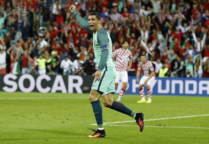 Un tiro de Cristiano Ronaldo tapado por el arquero abrió la posibilidad del gol portugués. El del Real Madrid estuvo 'desaparecido' gran parte del juego. (AP)