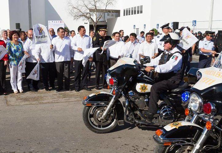 Ayer viernes, Rolando Zapata dio el banderazo de arranque del Operativo Decembrino de Seguridad 2014. (Facebook/Rolando Zapara Bello)