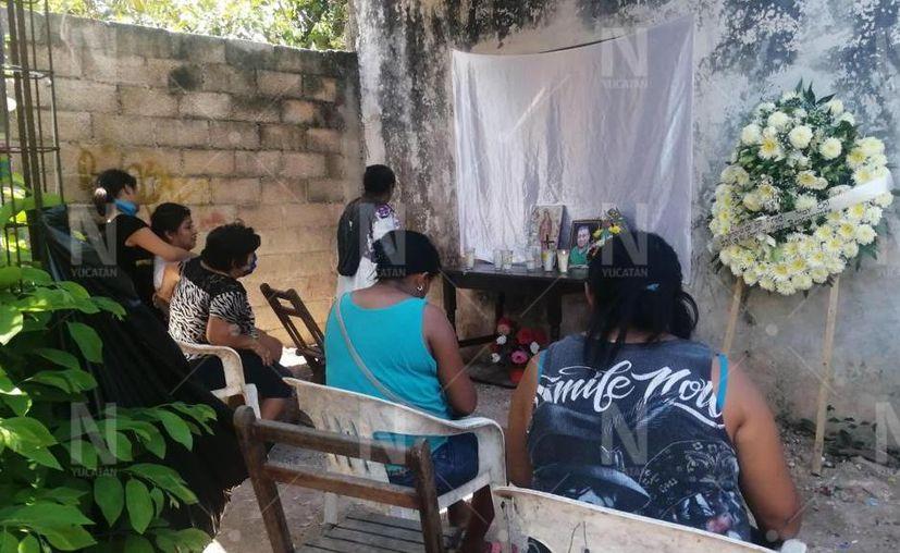 Este jueves por la tarde los familiares recibieron los cuerpos en sus respectivos domicilios. (Novedades Yucatán)