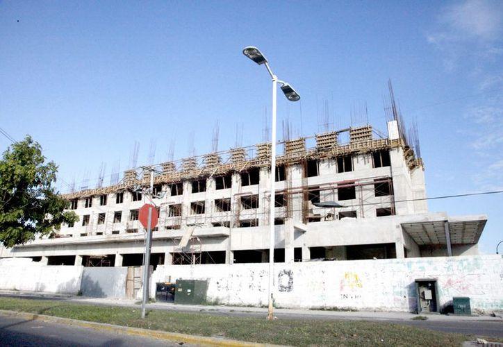 La creación de nuevas empresas y hoteles en la ciudad, ofrecerá más fuentes de empleo para los othonenses. (Redacción/SIPSE)