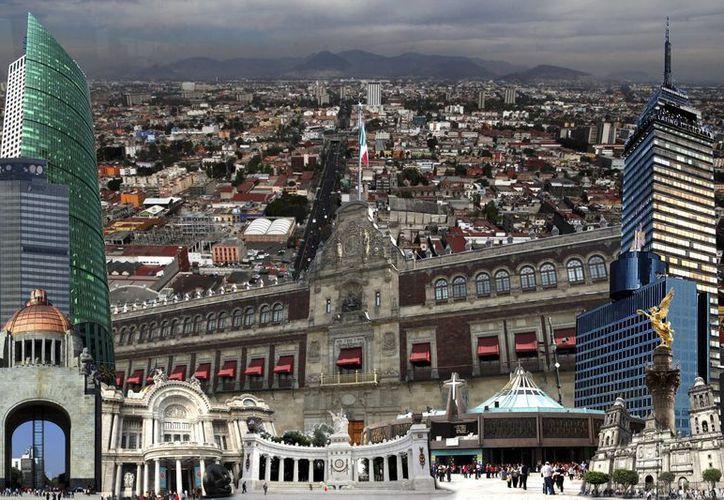 En breve, la Ciudad de México pasará a ser el estado número 32 de la República Mexicana. Aunque cambiarán muchas cosas legales, el gentilicio de sus habitantes permanecerá intacto, asegura especialista en identidad. (Notimex)