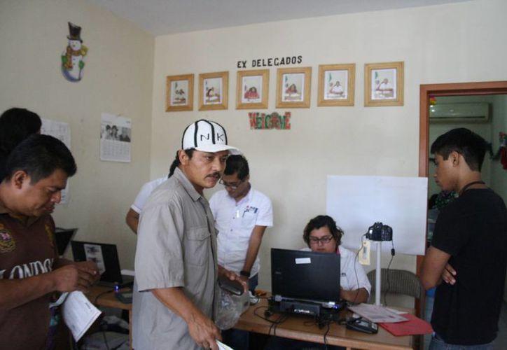 Los ciudadanos tendrán hasta el último día de febrero para recoger el documento. (Octavio Martínez/SIPSE)