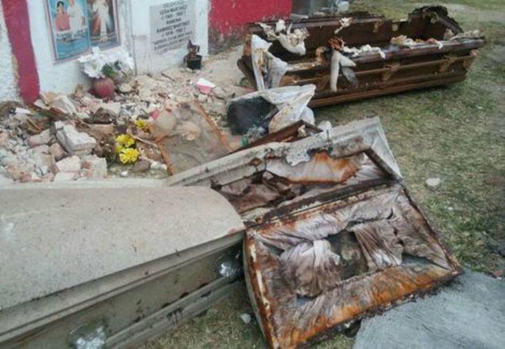 Sujetos robaron los restos óseos de tres fallecidos en Jalisco. (Jorge Martínez/SIPSE)