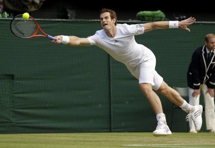Murray, actual subcampeón de Wimbledon, perdió los primeros dos sets, pero al final derrotó a Verdasco. (Agencias)