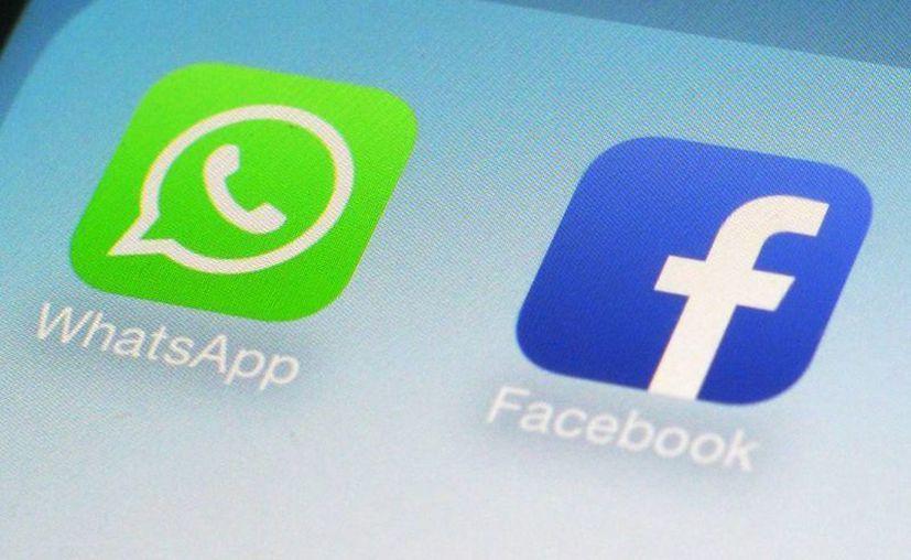 Se anunció que WhatsApp y Facebook compartirán datos. Entérate cómo puedes evitarlo. (AP Photo/Patrick Sison, File)