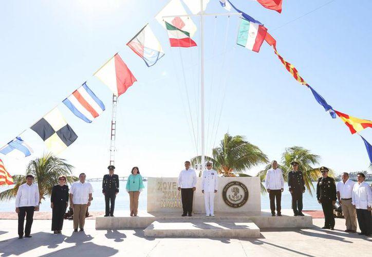 En Progreso el gobierno de Yucatán conmemoró la Gesta Heroica de la Armada, que consumó la Independencia Mexicana. (Fotos cortesía del Gobierno)