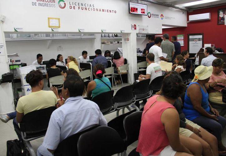 Recomiendan a la ciudadanía aprovechar los descuentos. (Tomás Álvarez/SIPSE)