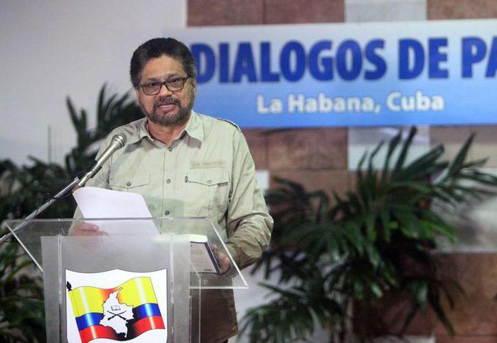 """El segundo jefe de las FARC y líder de los delegados de la guerrilla Luciano Marín, alias """"Iván Márquez"""". (EFE/Archivo)"""