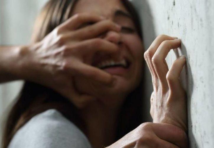 El hombre amenazó a la mujer con un arma de fuego y abusó de ella. (Foto: Contexto)