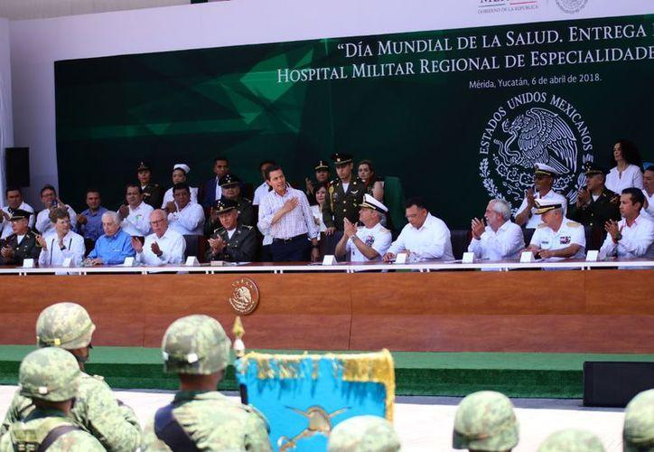 Peña Nieto al inaugurar el Hospital Militar Regional en Mérida. (Fotos: Jorge Acosta/Milenio Novedades)
