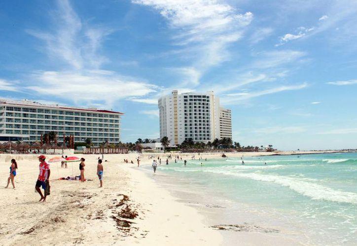 Tratarán de traer más turistas canadienses a los destinos de Quintana Roo. (Luis Soto/SIPSE)