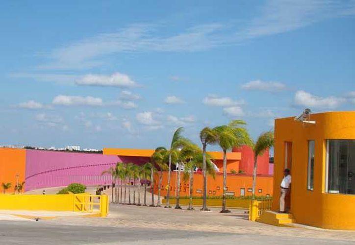 El Centro de Rehabilitación Integral Teletón de Cancún, atiende a 650 familias y podrían llegar a mil, expresó el Gobernador. (Foto: Redacción  / SIPSE)
