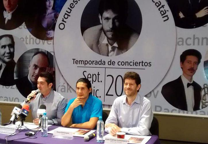 Imagen de la conferencia de prensa para anunciar el sexto programa de la temporada de la Orquesta Sinfónica de Yucatán, bajo la batuta de su director Juan Carlos Lomónaco. (Milenio Novedades)