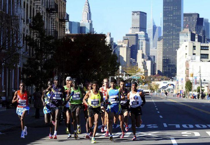 La carrera, que cruza los cinco barrios de NY, se canceló el año pasado por el azote del huracán 'Sandy'. (EFE/Archivo)