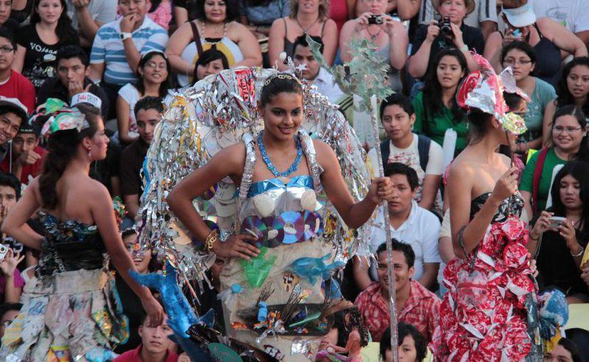 El desfile de exhibición está programado para el 29 de noviembre. (Gustavo Villegas/SIPSE)