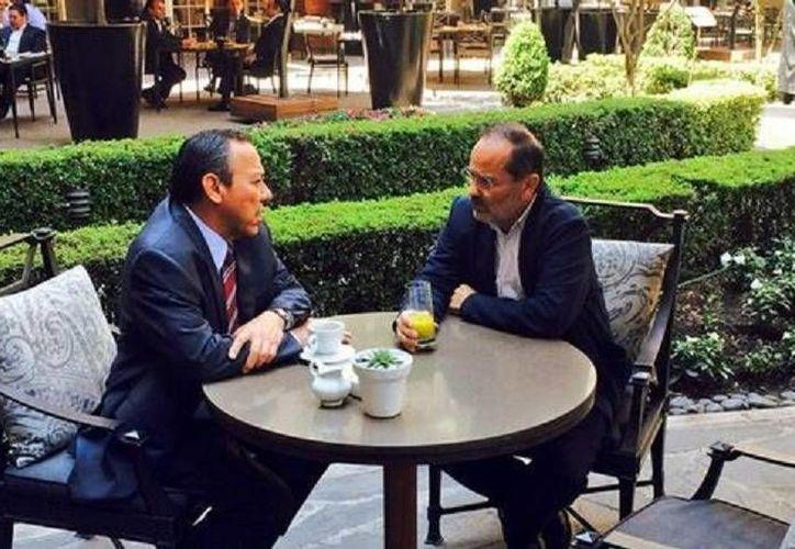 Tras la elección interna de Acción Nacional, Zambrano y Madero sostuvieron su primer encuentro para hablar de las leyes secundarias que aprobará el Congreso. (Foto tomada del Twitter @Jesus_ZambranoG)