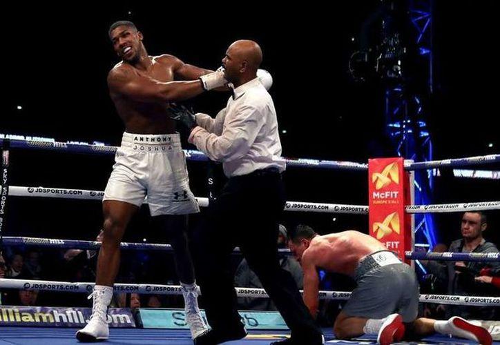 Alrededor de 90 mil personas presenciaron la cardiaca pelea entre Wladimir Klitschko y Anthony Joshua en Londres. (Foto: AP)
