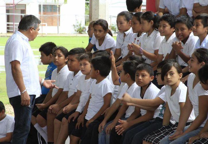 Docentes interesados tienen hasta el lunes, 16 de noviembre para enviar sus propuestas a la autoridad educativa. (Ángel Castilla/SIPSE)