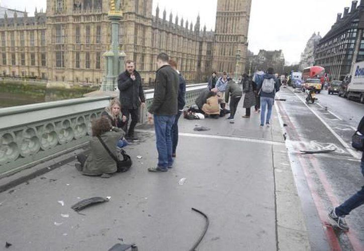 Continúan las investigaciones del atentado en Londres. (Foto: El país)