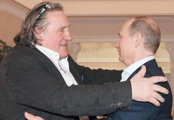 'No solo lo amo como presidente, también como hombre', dijo Depardieu (izquierda) sobre Putin. (elmundo.es)