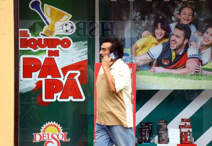 Comerciantes del Estado esperan buenas ventas para el festejo a los padres. (Foto: Jorge Acosta/ Milenio Novedades)