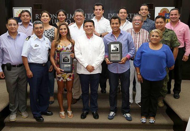 Zudikey Rodríguez Núñez y Eder Sánchez Terán agradecieron el apoyo de las autoridades de la isla. (Cortesía/SIPSE)