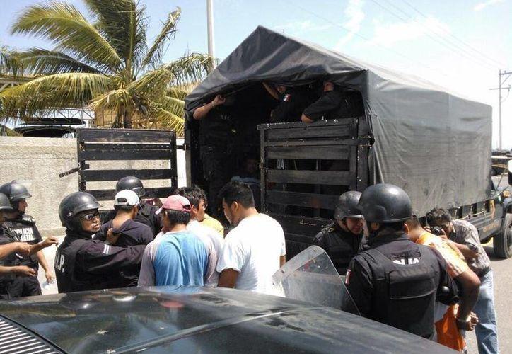 Las autoridades no han informado del resultado del operativo de hoy en La Caleta. (Twitter: @AntonioGarcia08)