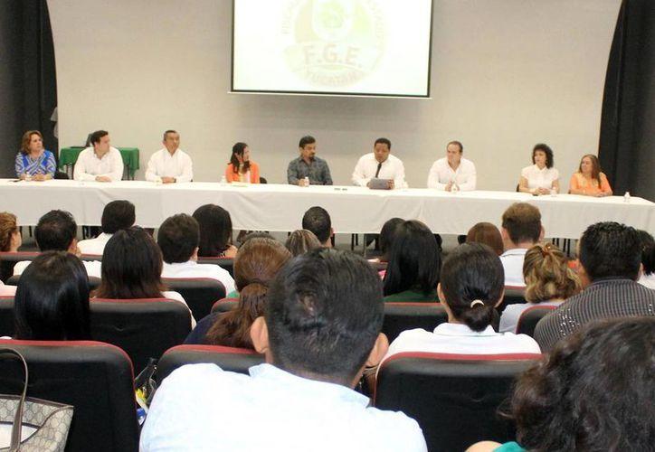Representantes de agrupaciones civiles, en conjunto con autoridades estatales, presentaron la propuesta. (Milenio Novedades)