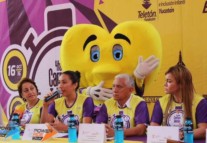 Deportistas y autoridades fueron los encargados de dar los pormenores relacionados con la competencia que apoyará al CRIT Yucatán.(Milenio Novedades)