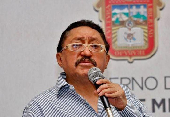 El escritor y periodista Sergio González ofreció este lunes la conferencia 'El periodismo cultural en la nave de los locos' donde  opinó que nunca se había visto un cambio en los medios de comunicación como el de la era digital. (Facebook: Filey)
