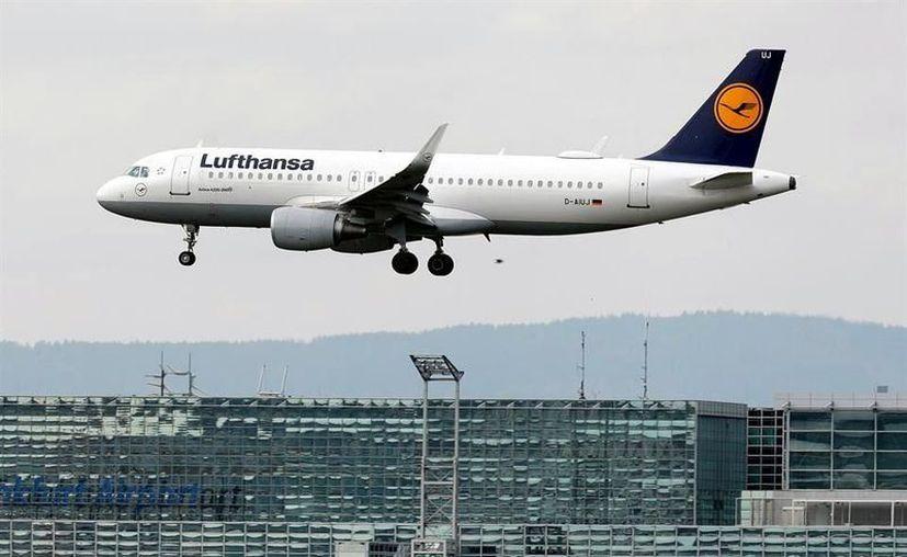 Alemania ofrecerá a Deutsche Lufthansa AG un rescate de 9 mil millones de euros (9 mil 800 millones de dólares). (Foto: Reforma).