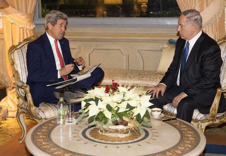 El encuentro entre John Kerry y Benjamin Netanyahu en Roma duró casi tres horas. (Agencias)