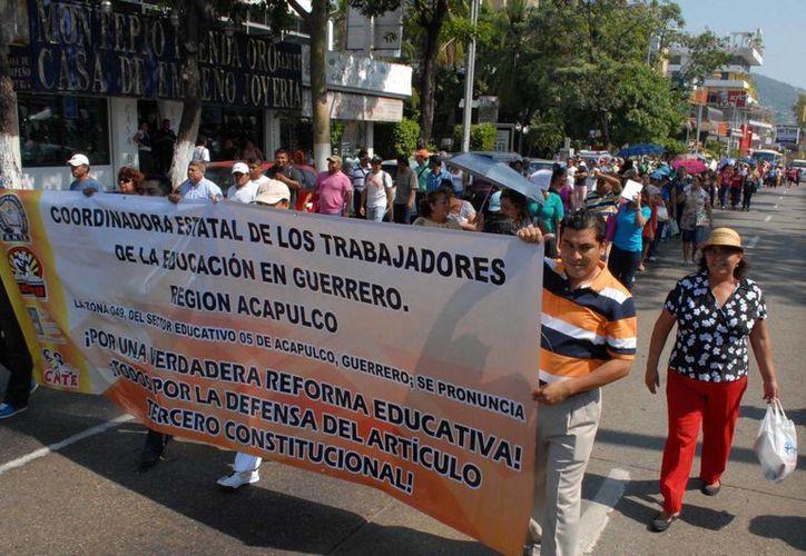 Una parte de la Ceteg participará en una marcha nacional y la otra a nivel local. (Archivo/Notimex)