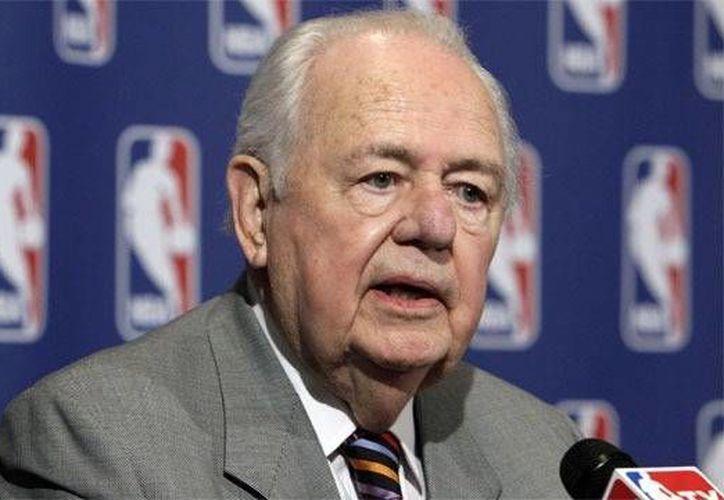 Tom Benson, dueño de los Pelicans en la NBA y de los Santos en la NFL, insinuó que quiere más eventos importantes para Nueva Orleans. (Foto: Internet)